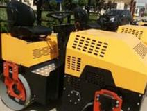 2吨座驾式压路机 KYL-800