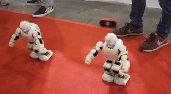 从平衡车到服务机器人,九号机器人抢滩即时配送万亿市场