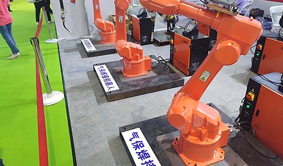 美的持续推动库卡机器人中国业务整合 进一步提升机器人使用密度