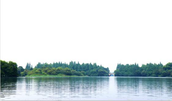 行�I�l展�F�钛杆� 2019年全球增���F��(AR)市�鲆�模超220�|元